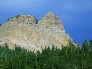 Sawtooth Rocks above Buckhorn Lakes Park